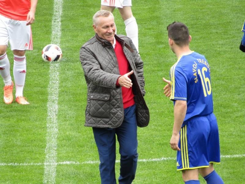 Ján Pivarník ako čestný hosť pred jedným zo zápasov Slavoja Trebišov