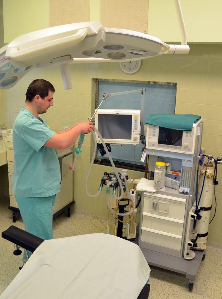 anesteziologický prístroj s odparovačom