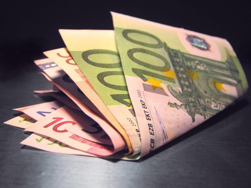 Objavili sa viaceré falošné 50-eurovky. Dajte si pozor!