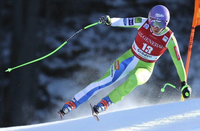 Dvadsaťosemročná Ilka Štuhecová slávi triumf v pretekoch SP iba tri týždne  po návrate na súťažné zjazdovky po ťažkom zranení kolena 6f9fb5fc7b5