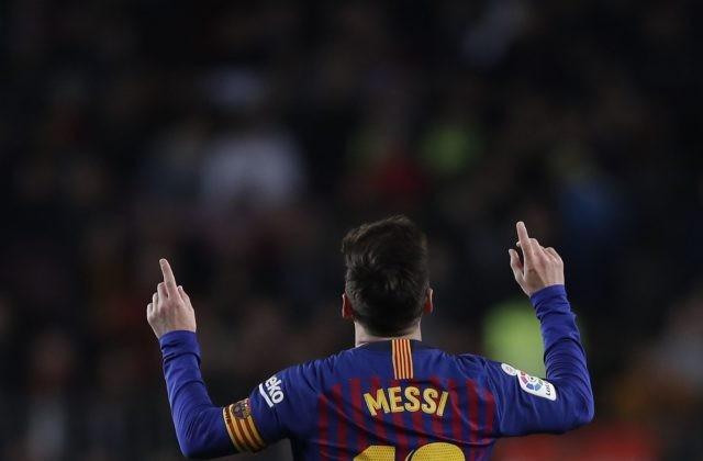 6636088cb311c SEVILLA 18. marca (WebNoviny.sk) – Potlesk súperových fanúšikov je pre  každého futbalistu obrovská pocta ...
