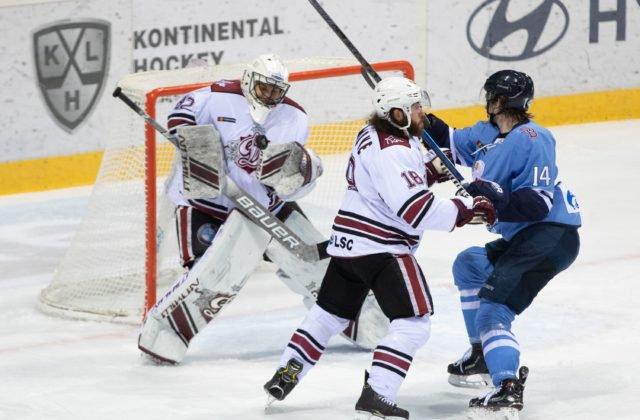 ... Országha odohrajú do konca nevydarenej sezóny v KHL už len dva zápasy  na klziskách súperov. RIGA 18. februára (WebNoviny.sk) – Hráči Slovana  Bratislava ... f3c9ba4d397