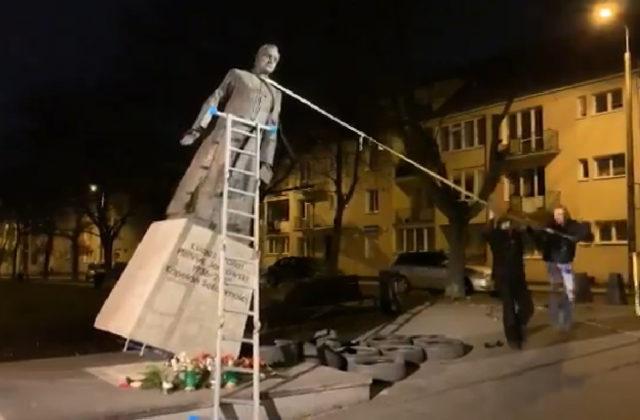 32f48b158 Trojica pricestovala do Gdansku z Varšavy a sochu Henryka Jankowského  strhla vo štvrtok nadránom. VARŠAVA 22. februára (WebNoviny.sk) – Poľskí  prokurátori ...