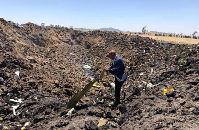 482750c6a ... vyjadril úprimnú sústrasť rodinám obetí, ktoré prišli o život pri  havárii lietadla v Etiópii. Menovite kondoloval poslancovi za SNS Antonovi  Hrnkovi, ...