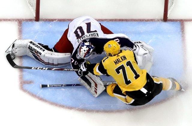 522556554a4ca Rus Jevgenij Malkin v prebiehajúcej sezóne NHL odohral 66 duelov, v ktorých  nazbieral 71 bodov (21+50). PITTSBURGH 18. marca (WebNoviny.sk) – Ruský  hokejový ...