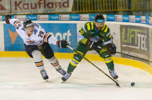 6e220eeed5af2 ŽILINA 19. marca (WebNoviny.sk) – Hokejisti Žiliny zvíťazili nad hráčmi  Michaloviec 4:1 v utorňajšom piatom zápase baráže o účasť v budúcej sezóne  najvyššej ...
