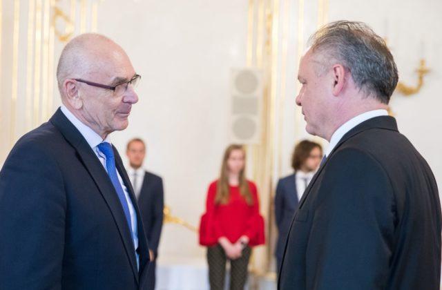 9f3740139 Prezident Andrej Kiska poukázal aj na čerpanie eurofondov. Podľa neho  príspevkov z eurofondou bude ubúdať a my ako krajina sme si zvykli  realizovať mnohé ...