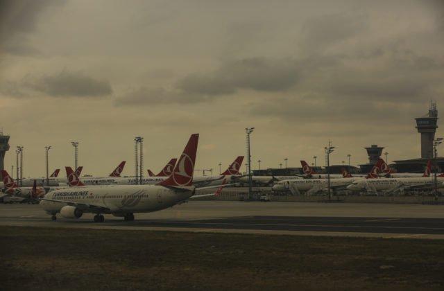 7763793dedf06 Istanbul Airport má ambíciu stať sa najväčším svetovým letiskom. Veľké  sťahovanie v podobe desiatok zrušených či meškajúcich letov sa dotkne  tisícov ...