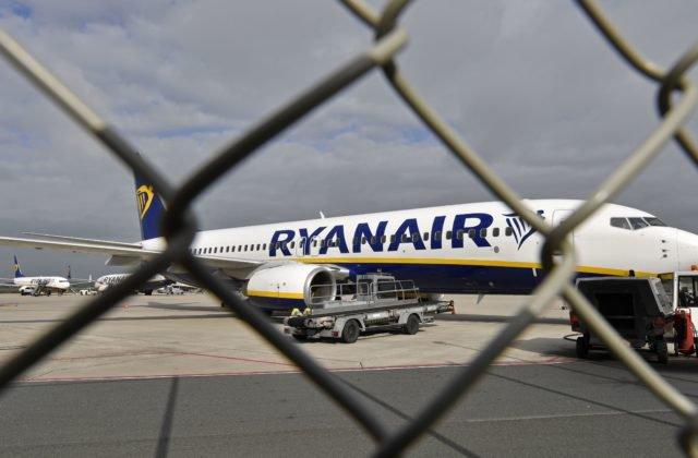 dc7b43eeb75b2 ... vo štvrtok a v sobotu lietadlom typu Boeing 737-800, s kapacitou 189  miest. KOŠICE 2. apríla (WebNoviny.sk) – Nízkonákladová letecká spoločnosť  Raynair ...