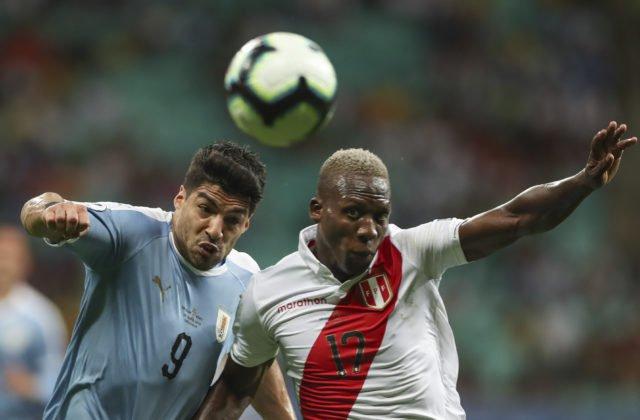 204e6d175e5cb V drese Uruguaja zlyhal v záverečnom rozstrele iba jeden muž – kanonier  Barcelony Luis Suárez.